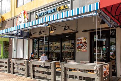 Eat-Street-Grill店頭